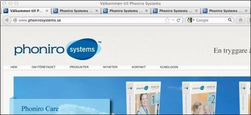 Flikar är öppna samtidigt, etiketterna verkar identiska när webbplatsens inleder sidtitlarna.